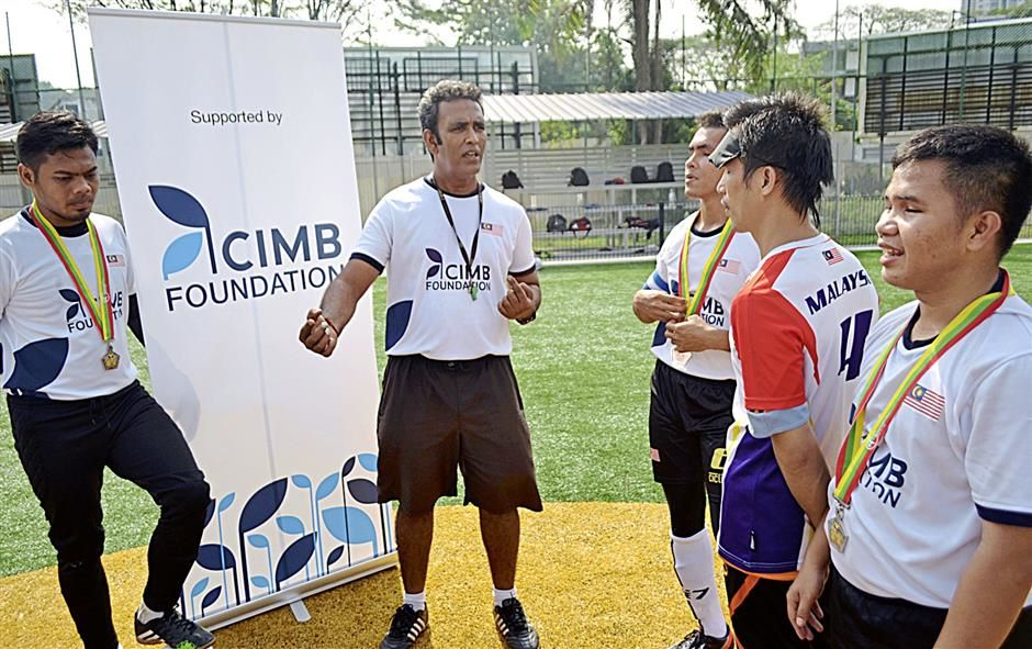 Blind footballers a determined bunch - Community | The Star Online