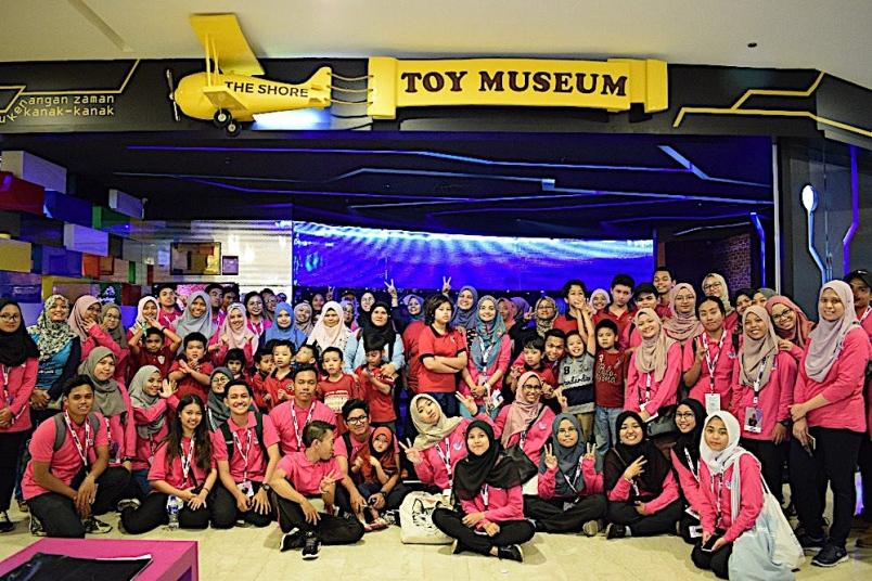Kanak-kanak autisme dibawa melawat Bandar Hilir