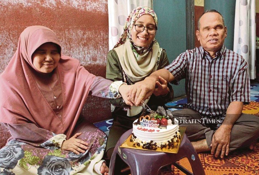 Nurse, blind parents reunite after 3 months apart